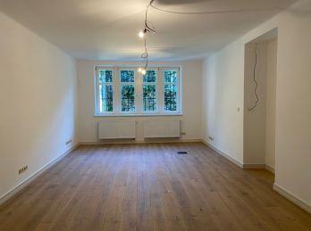 PROMINENT REAL prenajme pekný dizajnový nebytový priestor na Palisádach.