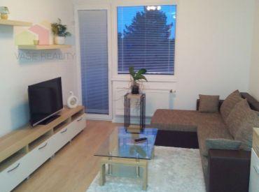Na prenájom krásny 2-izbový byt s balkónom, 39 m², + park. státie, Ružinov, voľný od 15.8.2021