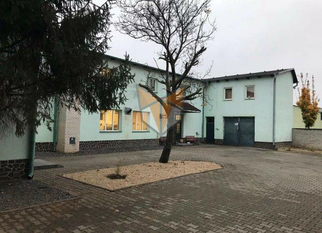 administratívna budova - Trnava - Fotografia 1