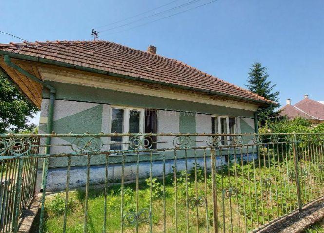 Rodinný dom - Semerovo - Fotografia 1
