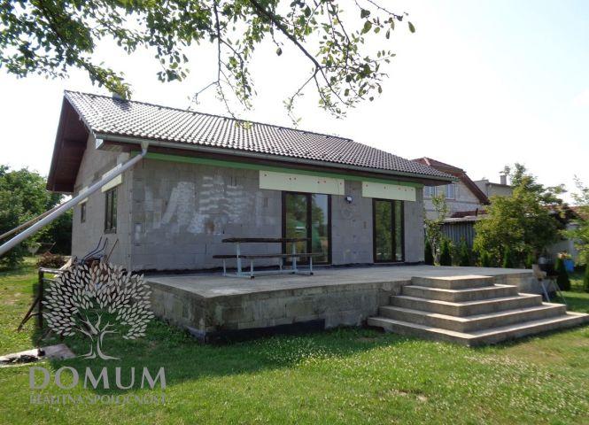 Rodinný dom - Horňany - Fotografia 1