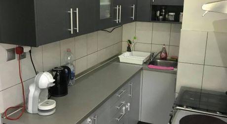 IBA U NÁS! PREDAJ - Kompletne prerobený 2 izbový byt pri centre v Komárne