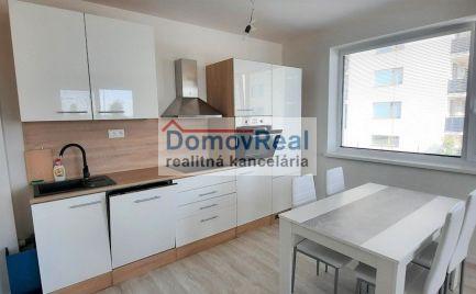 Nový, zariadený 2 – izbový byt s balkónom na prenájom v Hamuliakove