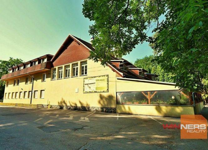 hotel, penzion - Trnava - Fotografia 1