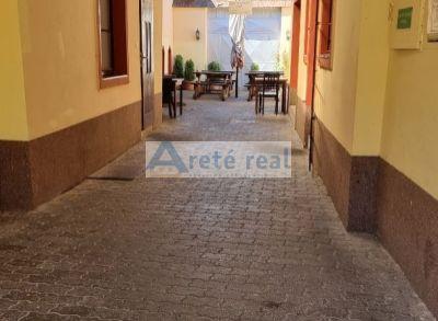 Areté real - Predaj obchodno - prevádzkového objektu v centre Pezinka