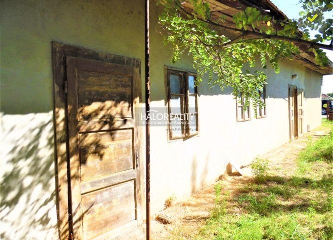 Rodinný dom - Hronovce - Fotografia 1