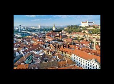 Predaj 2 izbový byt 50 m2 s balkónom a murovanou pivničnou kobkou Bratislava-Staré Mesto.
