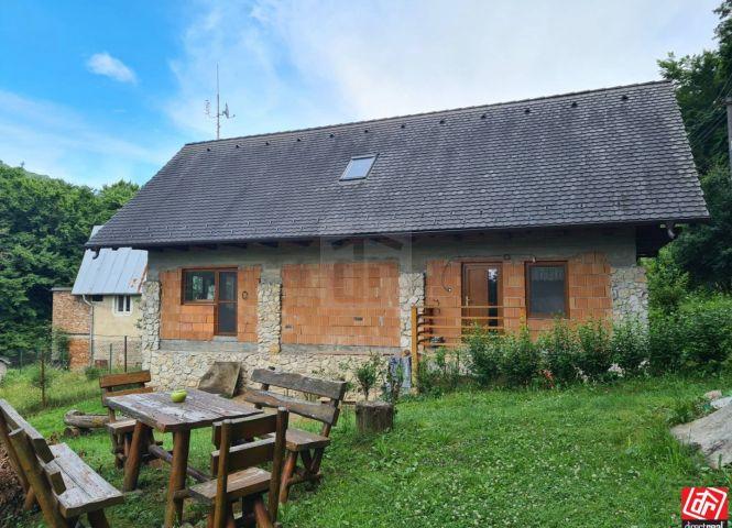 chata, drevenica, zrub - Mníchova Lehota - Fotografia 1