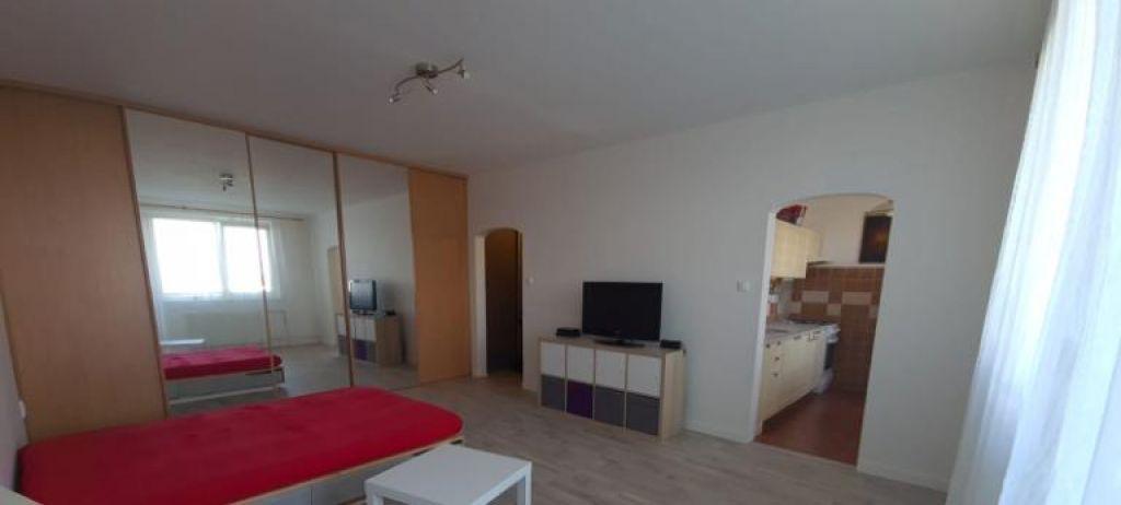 Iný-Prenájom-Bratislava - mestská časť Ružinov-500 €