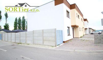 SORTier s.r.o. Exkluzívne ponúkame na predaj zariadený 5 izbový rodinný dom - MALACKY