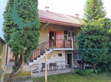 Rodinný dom na predaj EXKLUZÍVNE iba u nás, na slnečnom pozemku v zastavanej časti obce