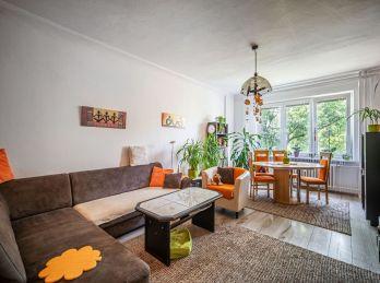 REZERVOVANÉ! PROMINENT REAL predá pekný 4 izb. na Sabinovskej ulici v Ružinove pri Štrkoveckom jazere.