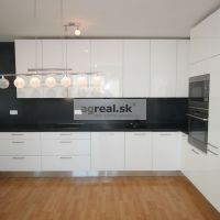 4 izbový byt, Bratislava-Nové Mesto, 112 m², Novostavba