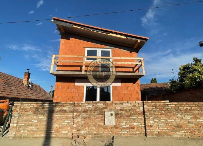 Rodinný dom - Svätoplukovo - Fotografia 1