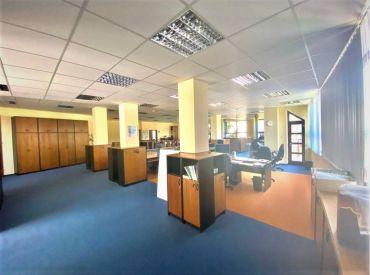 AFYREAL ponúka na prenájom 245m2 kancelárie v TOP lokalite, vila