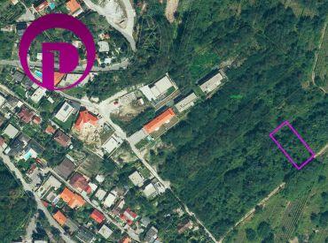 Záhrada, 1066 m2, Ahoj – Briežky, Nové mesto, blízko Neronetovej ulice – INVESTIČNÁ PRÍLEŽITOSŤ