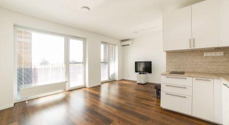 NA PREDAJ 1 izbový byt s lodžiou v novostavbe SLNEČNICE
