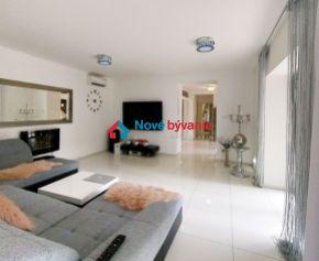 NA PREDAJ - luxusný rodinný dom v Trebišove