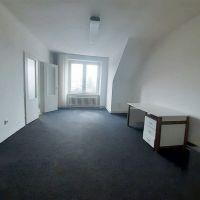 4 izbový byt, Bratislava-Ružinov, 100 m², Čiastočná rekonštrukcia