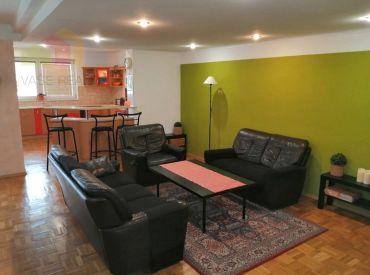 Veľký slnečný 4-izbový byt s garážou a terasou, Piešťany