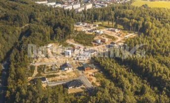 Na predaj stavebný pozemok pre rodinný dom, všetky siete, 707 m², Bojnice