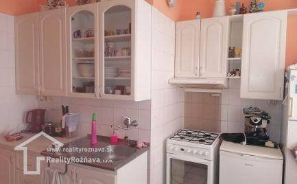 3 izbový byt v obci Slavošovce.