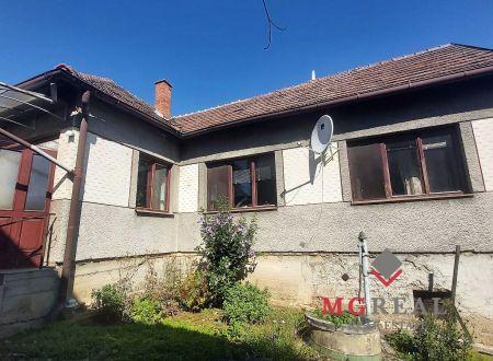 Rodinný dom Nemčice - pôvodný stav, 11ár