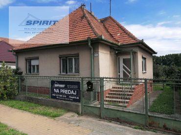Rodinný dom s veľkým pozemkom na PREDAJ - Zbehy, Nitra