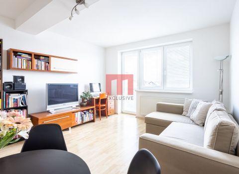 REZERVOVANÝ - Na predaj 1 izbový byt s balkónom v tichej obľúbenej lokalite Vajnor