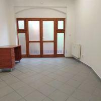 Administratívna budova, Lučenec, 27.50 m², Kompletná rekonštrukcia