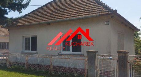 Kuchárek-real: EXKLUZÍVNE ponúkame dom v malebnom dedinskom prostredí.