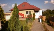 kunareality- Rodinný dom 205 m2 ,pozemok 1128 m2 obec Bučany