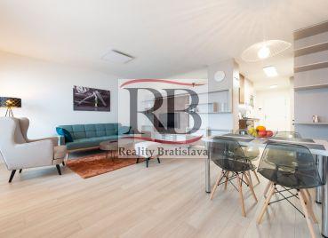 Na prenájom 2-izbový byt s garážovým státím v novostavbe Jarabinky