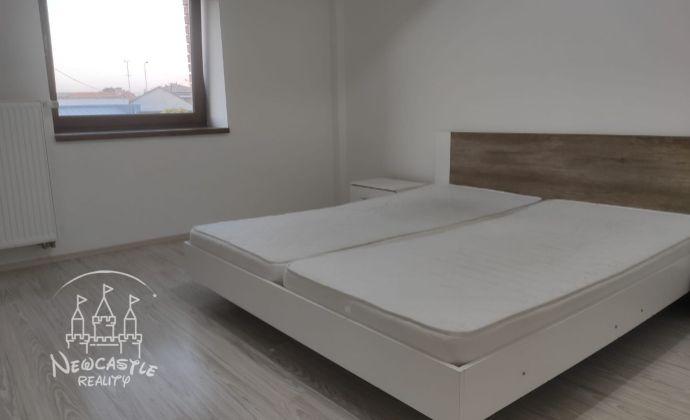 NA PRENÁJOM 1-izbový byt v Nových Zámkoch + balkón