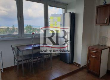 Prenájom 3i bytu v mestskej časti Bratislava Vrakuňa, Čiližská ulica