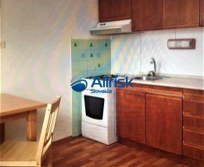 Výborná lokalita- prenájom 1 izbového bytu v Nových Zámkoch na Šoltésovej ulici