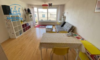 Prenájom veľkorysého 3 izb. bytu (84 m2) s terasou (10m2) na ul. Komenského