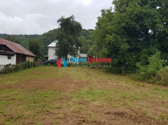 REZERVOVANÉ. Na predaj pozemok na výstavbu domu v obci Rokytov pri Humennom (N048-14-JOHA)