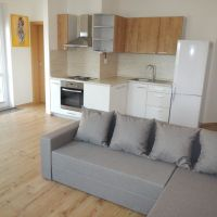 2 izbový byt, Nové Zámky, 55 m², Pôvodný stav