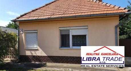 Nána - predaj 4-izbového rodinného domu s pekným pozemkom.