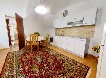 Prenájom 1 izbový byt priamo v centre Banská Bystrica