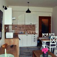Apartmán, Veľká Lomnica, 48 m², Kompletná rekonštrukcia