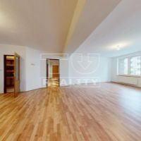 3 izbový byt, Kysucké Nové Mesto, 93 m², Čiastočná rekonštrukcia