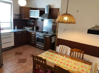 BA II. Na prenájom 2 izbový byt na Miletičovej ulici