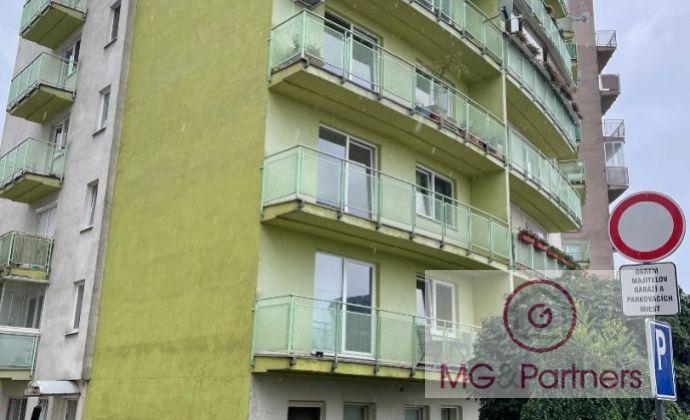 Veľký 3-izbový byt, 101 m2, veľký šatník/komora, zariadený, novostavba, Dlhé diely!