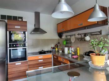 Predaj pekný, zrekonštruovaný, veľkometrážny byt v Nitre na Klokočine
