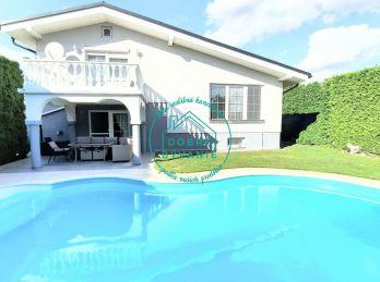 Ponúkame na Predaj Nadštandardný Rodinný Dom s bazénom v centre - videoobhliadka