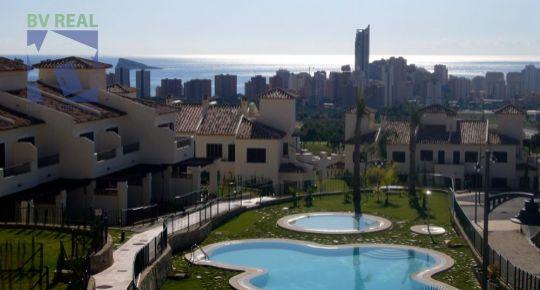 Predaj 3 izbové radové domy 109 m2 Los Olivos Benidorm Španielsko BV1014