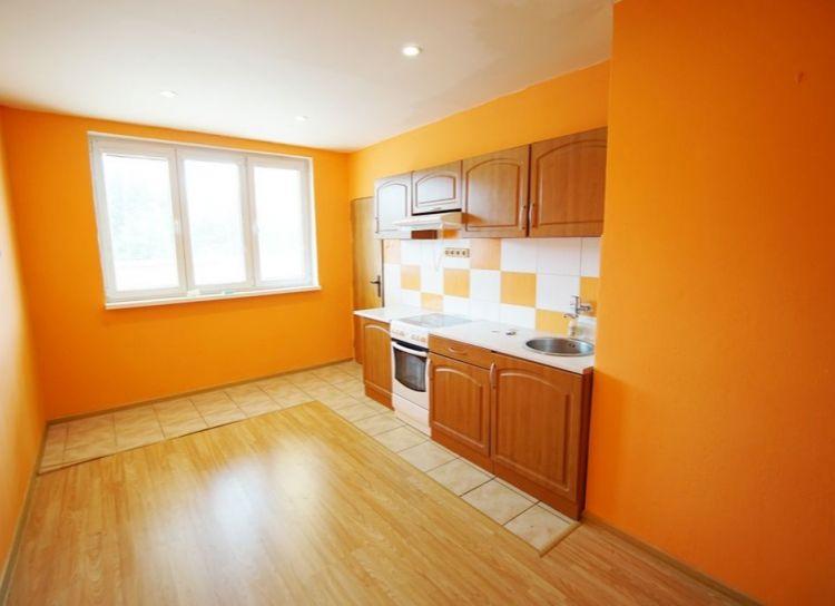 Na predaj priestranný 1 izbový byt (50m2), Martin - staré Záturčie