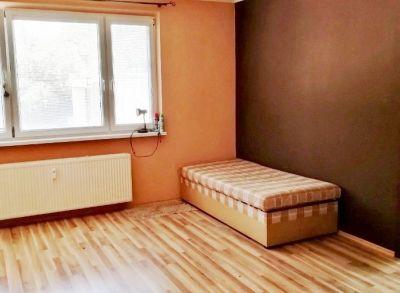 Predám  3 izbový byt v Záturčí, okres Martin.
